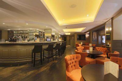 Elegant restaurant with art deco design westminster london
